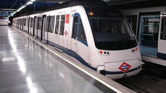 EQUO, el Grupo Parlamentario Podemos CM e Izquierda Unida visitan las instalaciones del Metro @ Estación de Metro de Canillejas (línea 5) | Madrid | Comunidad de Madrid | España